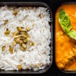 Говядина с пряным тыквенным соусом и рис